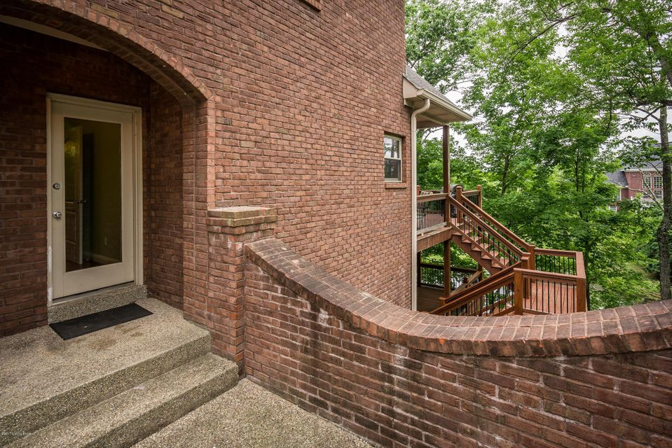 Additional photo for property listing at 648 Oak Creek Drive  Mount Washington, Kentucky 40047 United States