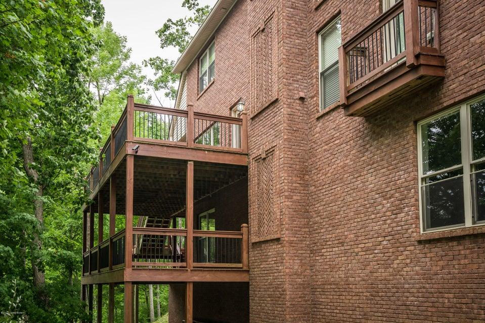 Additional photo for property listing at 648 Oak Creek Drive  Mount Washington, Kentucky 40047 United States