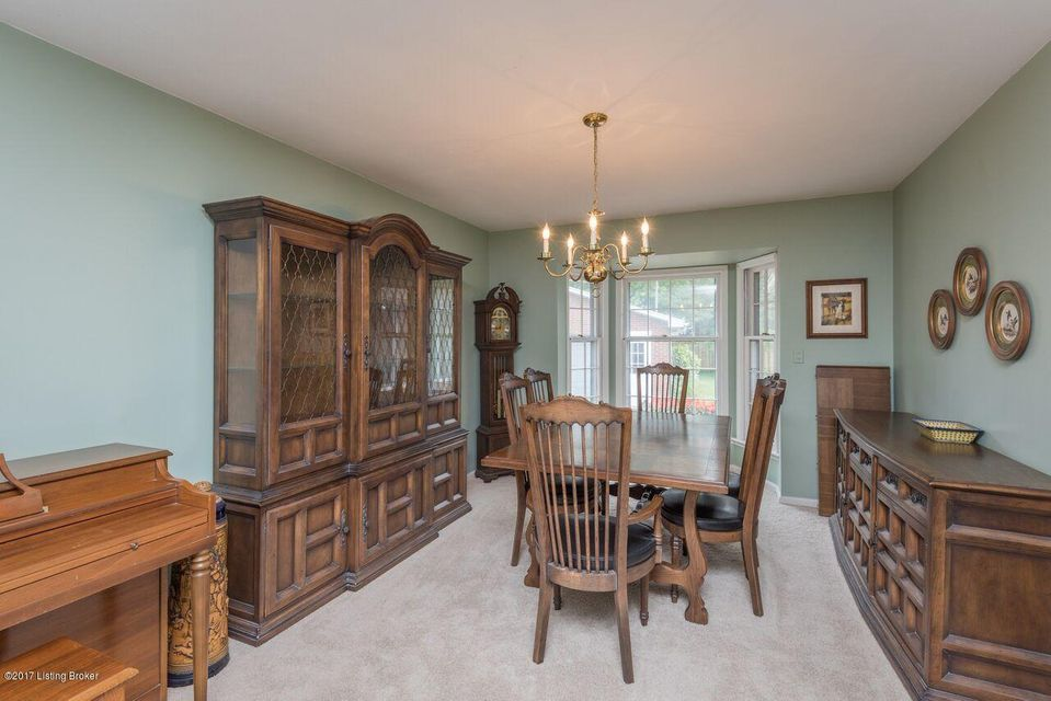 Additional photo for property listing at 3723 Hillsboro Road 3723 Hillsboro Road Louisville, Kentucky 40207 United States