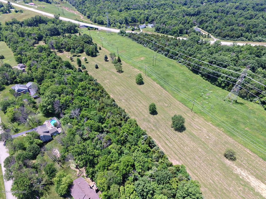 Additional photo for property listing at 4204 Centerfield  Crestwood, Kentucky 40014 United States