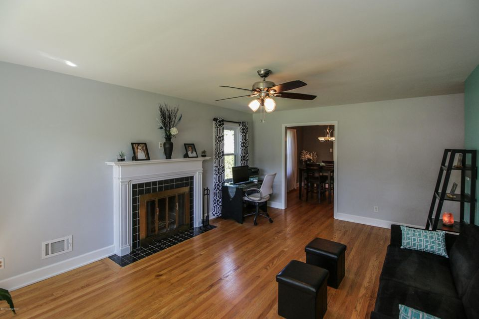 Additional photo for property listing at 4613 Tween Road  Louisville, Kentucky 40207 United States