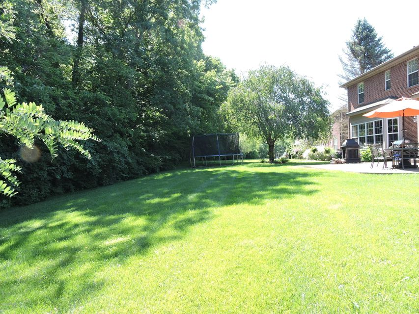 Additional photo for property listing at 16707 Glen Lakes Drive  Louisville, Kentucky 40245 United States