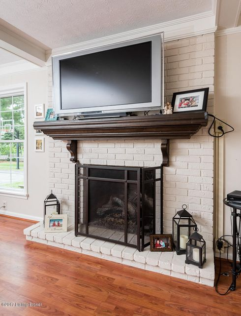 Additional photo for property listing at 8219 Paddington Drive  Louisville, Kentucky 40222 United States
