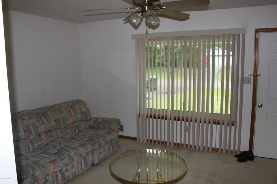 Additional photo for property listing at 7608 Texlyn Court  Louisville, Kentucky 40258 United States