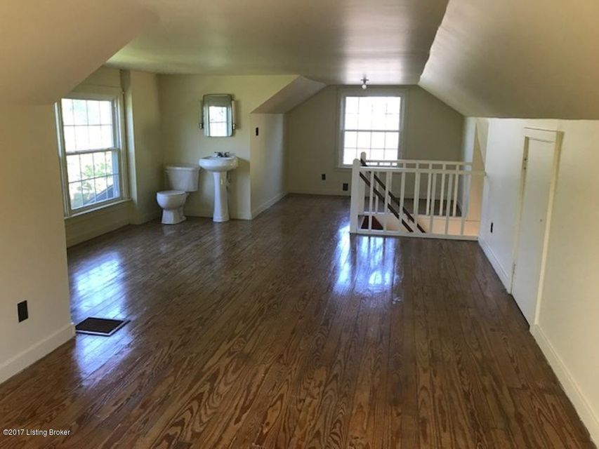 Additional photo for property listing at 422 Chenoweth Lane  Louisville, Kentucky 40207 United States