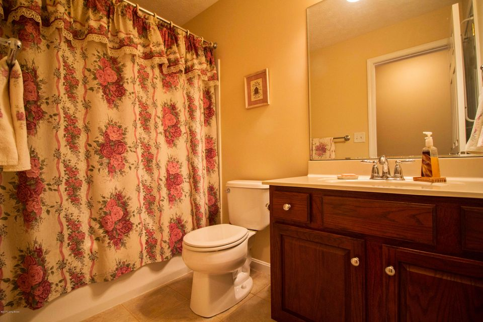 Additional photo for property listing at 9604 Keeling Ridge Road  Louisville, Kentucky 40291 United States