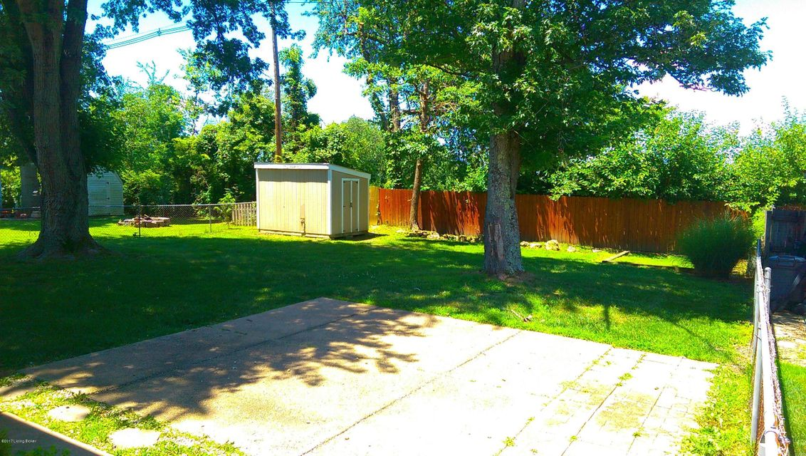 Additional photo for property listing at 5714 Janet Lee Drive  Louisville, Kentucky 40291 United States