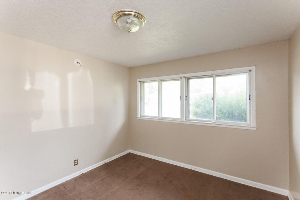 Additional photo for property listing at 3506 Autumn Way  Louisville, Kentucky 40218 United States