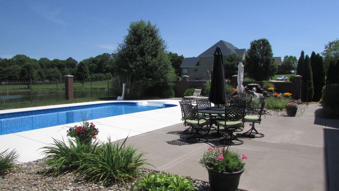 Additional photo for property listing at 15500 Crystal Valley Way  Louisville, Kentucky 40299 United States