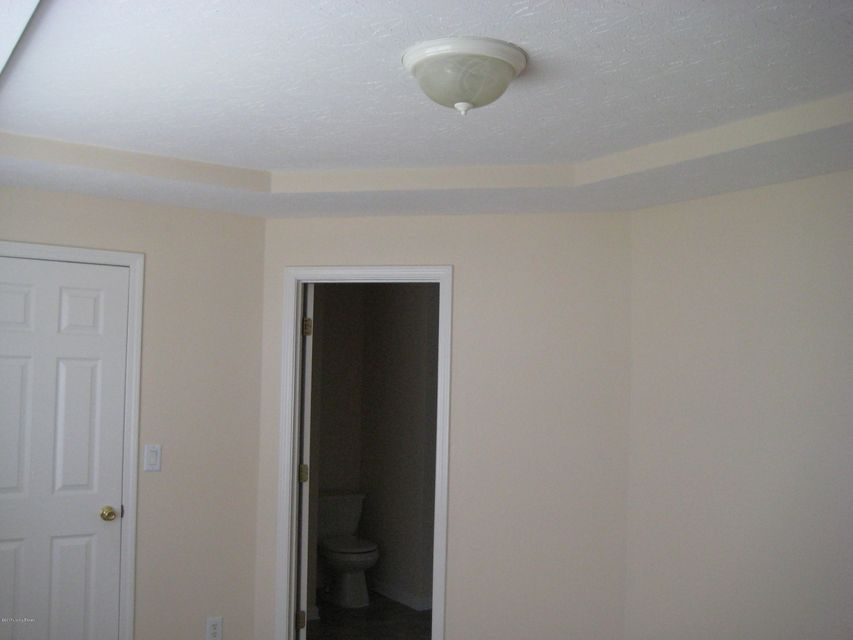 Additional photo for property listing at 112 Savannah Nicole Drive  Jeffersonville, Indiana 47130 United States