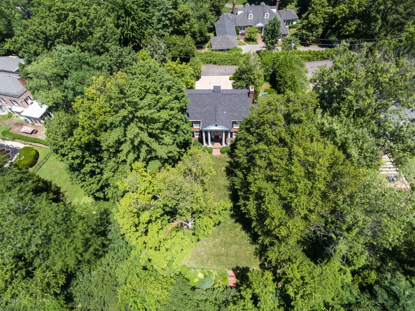 Additional photo for property listing at 3345 Brownsboro Road  Louisville, Kentucky 40207 United States