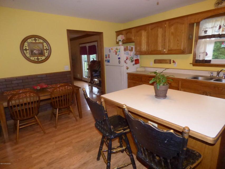Additional photo for property listing at 226 Thomas Lane 226 Thomas Lane Mount Washington, Kentucky 40047 United States