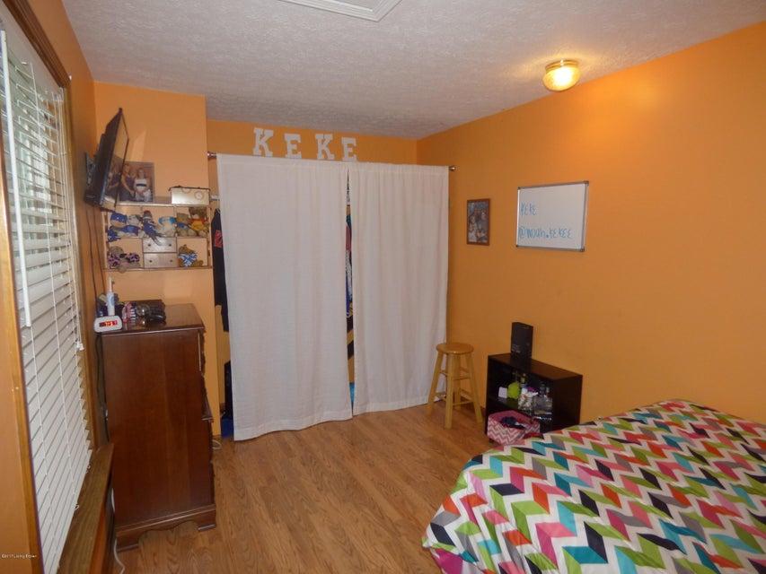 Additional photo for property listing at 226 Thomas Lane  Mount Washington, Kentucky 40047 United States