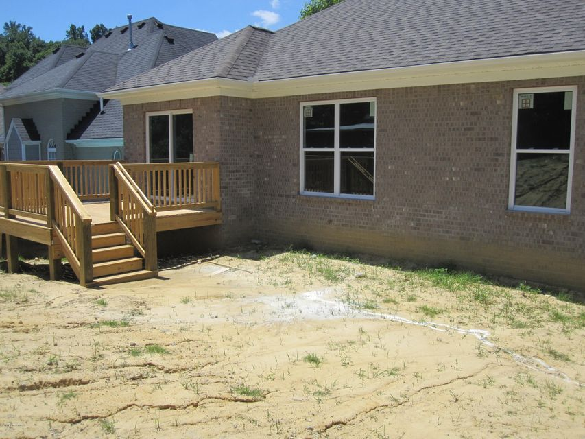 Additional photo for property listing at 7229 Oakburn Drive  Louisville, Kentucky 40258 United States