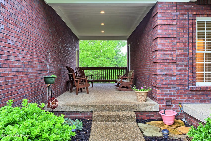 Additional photo for property listing at 13304 Solar Court 13304 Solar Court Louisville, Kentucky 40291 United States