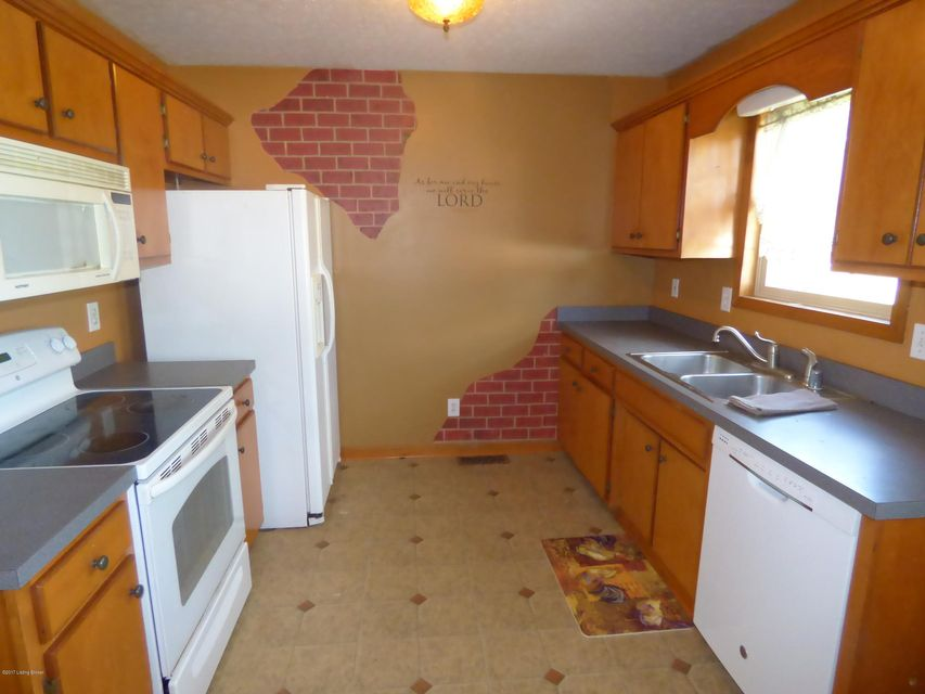Additional photo for property listing at 754 Fisher Lane  Mount Washington, Kentucky 40047 United States