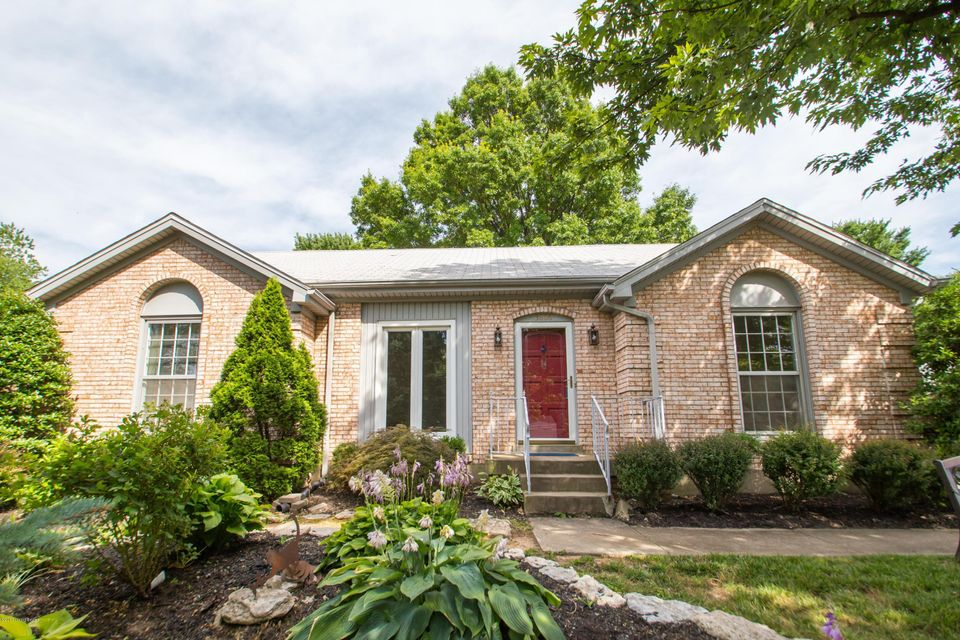Additional photo for property listing at 3806 Riveroaks Lane  Louisville, Kentucky 40241 United States