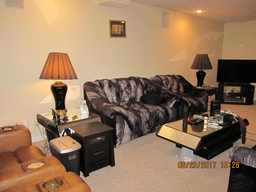 Additional photo for property listing at 7013 Catalpa Springs Drive  Louisville, Kentucky 40228 United States