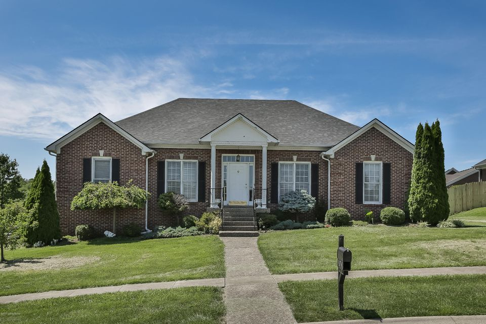 Additional photo for property listing at 104 Shellys Place  Shelbyville, Kentucky 40065 United States