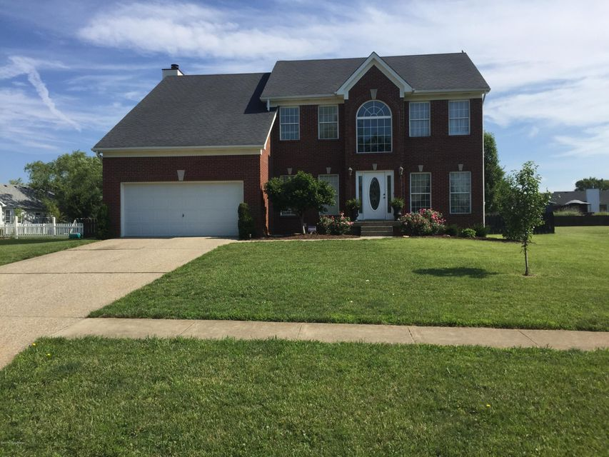 Single Family Home for Sale at 2015 Manning Place La Grange, Kentucky 40031 United States