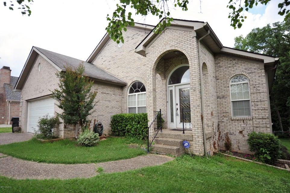 9719 Grandin Woods Rd, Jeffersontown, KY 40299
