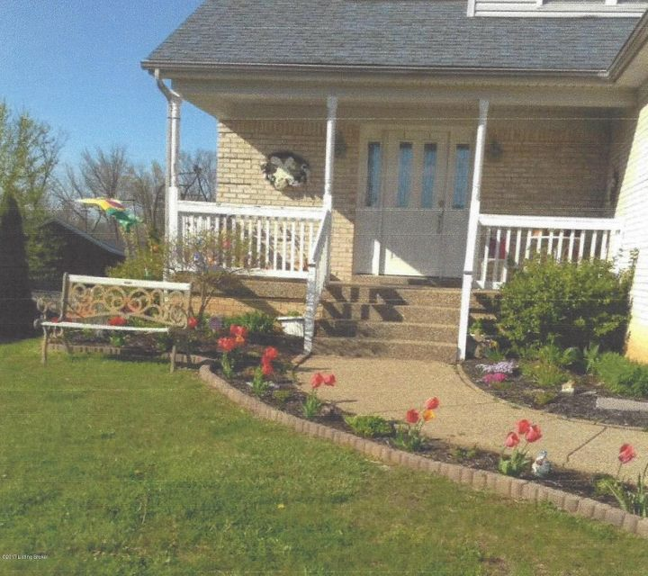 Single Family Home for Sale at 8403 Diligent Way 8403 Diligent Way Louisville, Kentucky 40229 United States