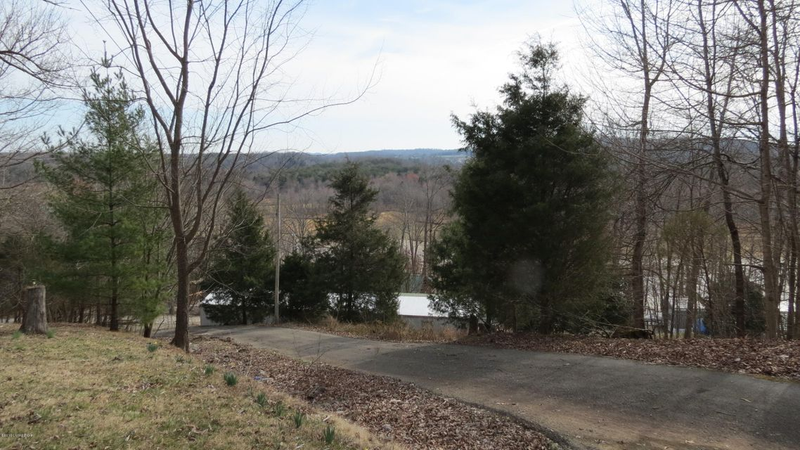 Additional photo for property listing at 6 Woodland 6 Woodland Cub Run, Kentucky 42729 United States