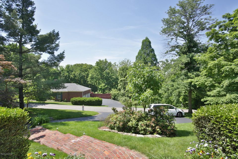Additional photo for property listing at 2779 Maple Road  Louisville, Kentucky 40205 United States