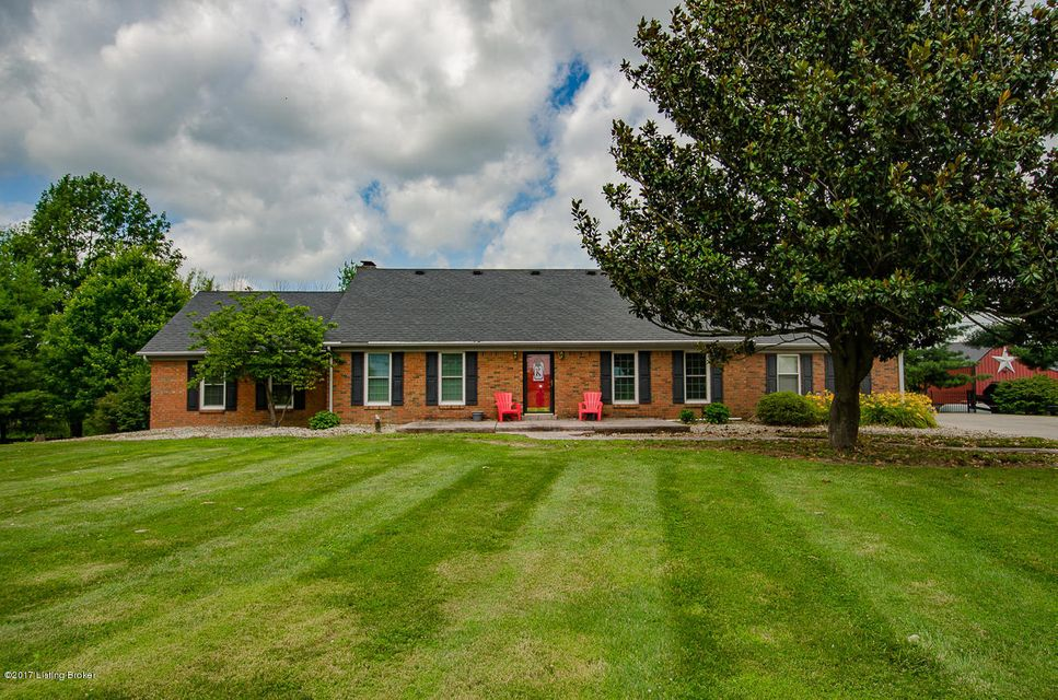 Single Family Home for Sale at 722 Old Bloomfield Road Bardstown, Kentucky 40004 United States