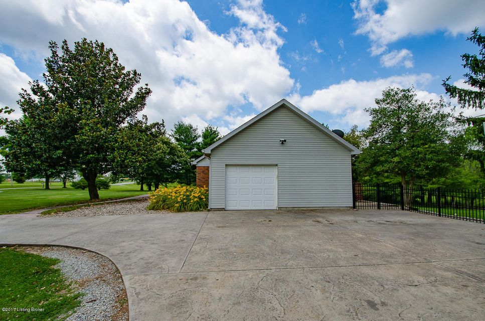 Additional photo for property listing at 722 Old Bloomfield Road  Bardstown, Kentucky 40004 United States