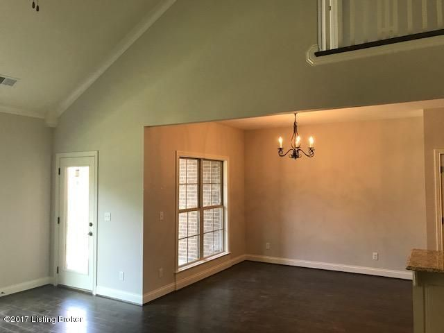 Additional photo for property listing at 302 Grey Ledge Circle  Louisville, Kentucky 40245 United States
