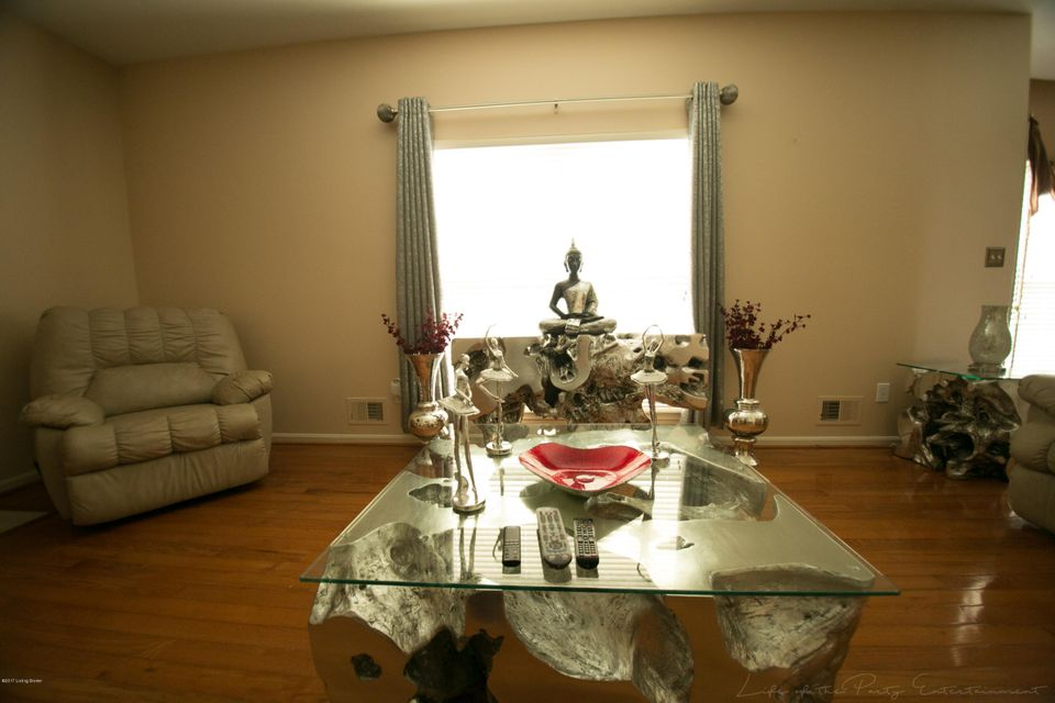 Additional photo for property listing at 106 Arlington Meadows Drive  Louisville, Kentucky 40023 United States