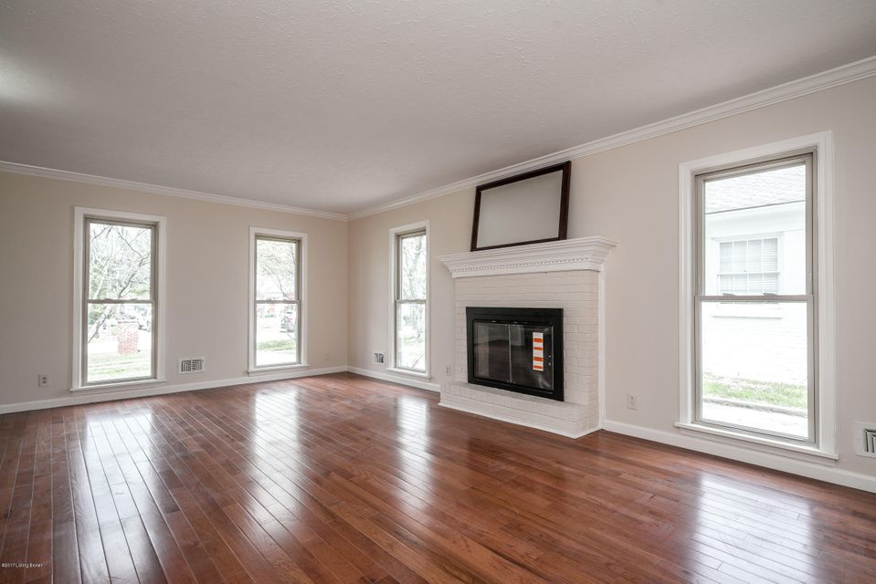 Additional photo for property listing at 2011 Croghan House Drive  Louisville, Kentucky 40207 United States