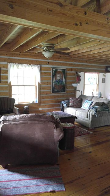 Additional photo for property listing at 645 Highland Avenue  Vine Grove, Kentucky 40175 United States