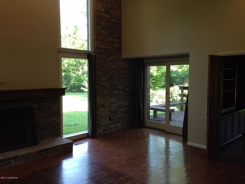 Additional photo for property listing at 601 Evergreen Road  Anchorage, Kentucky 40223 United States