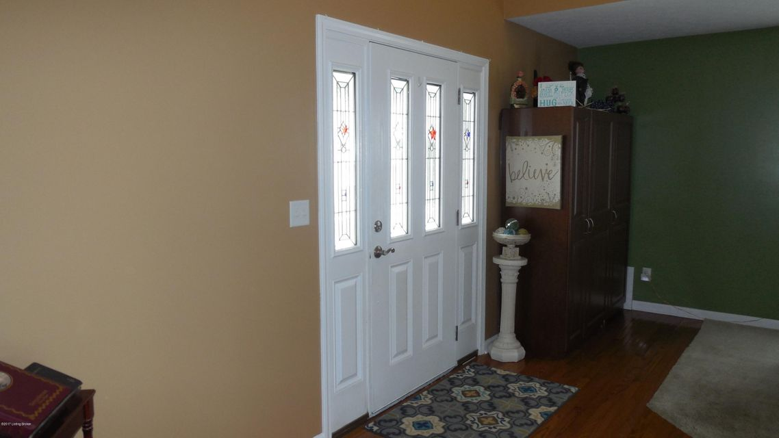 Additional photo for property listing at 8403 Diligent Way  Louisville, Kentucky 40229 United States