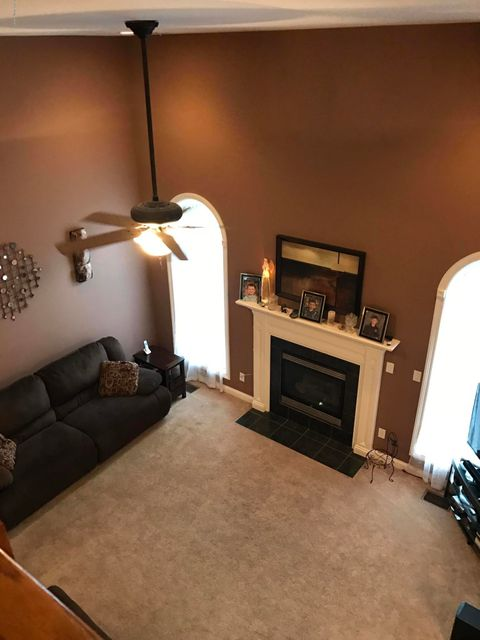 Additional photo for property listing at 7231 Oakburn Drive 7231 Oakburn Drive Louisville, Kentucky 40258 United States