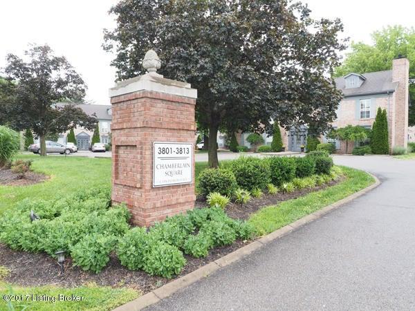 Additional photo for property listing at 3801 Chamberlain Lane 3801 Chamberlain Lane Louisville, Kentucky 40241 United States