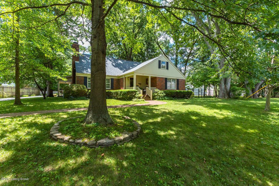 Single Family Home for Sale at 326 Primrose Drive Louisville, Kentucky 40207 United States