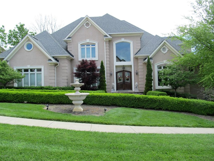 Single Family Home for Sale at 707 Park Creek Circle 707 Park Creek Circle Louisville, Kentucky 40245 United States