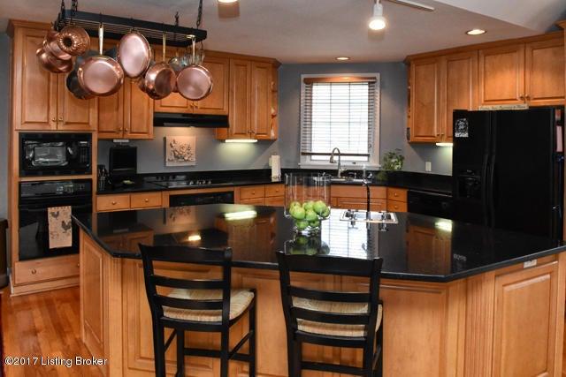 Additional photo for property listing at 3303 Natchez Lane 3303 Natchez Lane Louisville, Kentucky 40206 United States