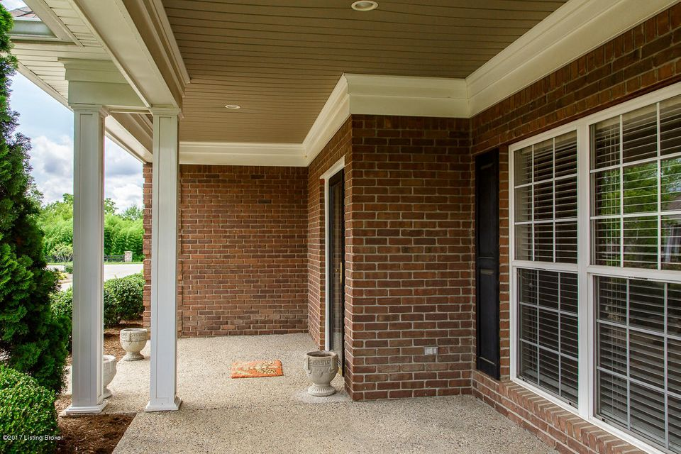 Additional photo for property listing at 6025 Garden Spring Court  Crestwood, Kentucky 40014 United States