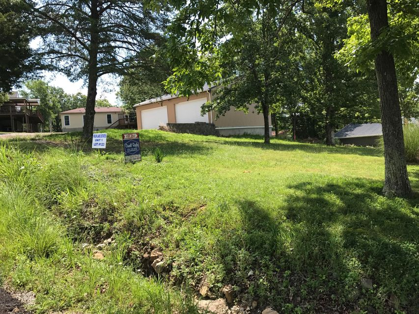 Additional photo for property listing at 825 LAKEVIEW 825 LAKEVIEW Clarkson, Kentucky 42726 United States