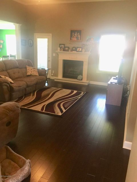 Additional photo for property listing at 322 London Square  Mount Washington, Kentucky 40047 United States