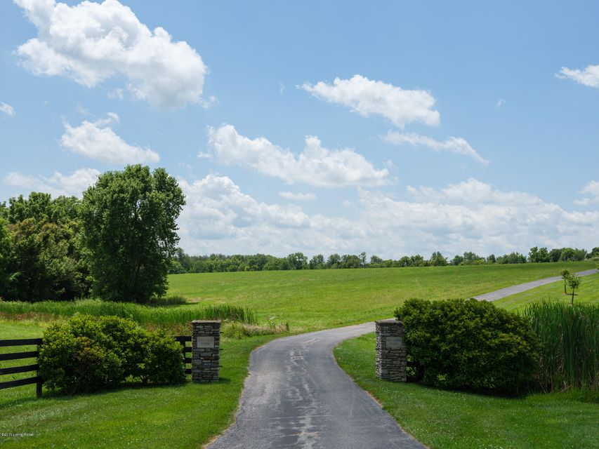 Additional photo for property listing at 517 Aiken Road 517 Aiken Road Shelbyville, Kentucky 40065 United States