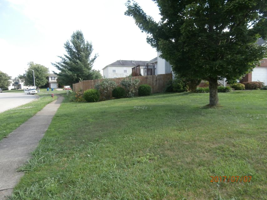 Additional photo for property listing at 21 Zena Court 21 Zena Court Shelbyville, Kentucky 40065 United States