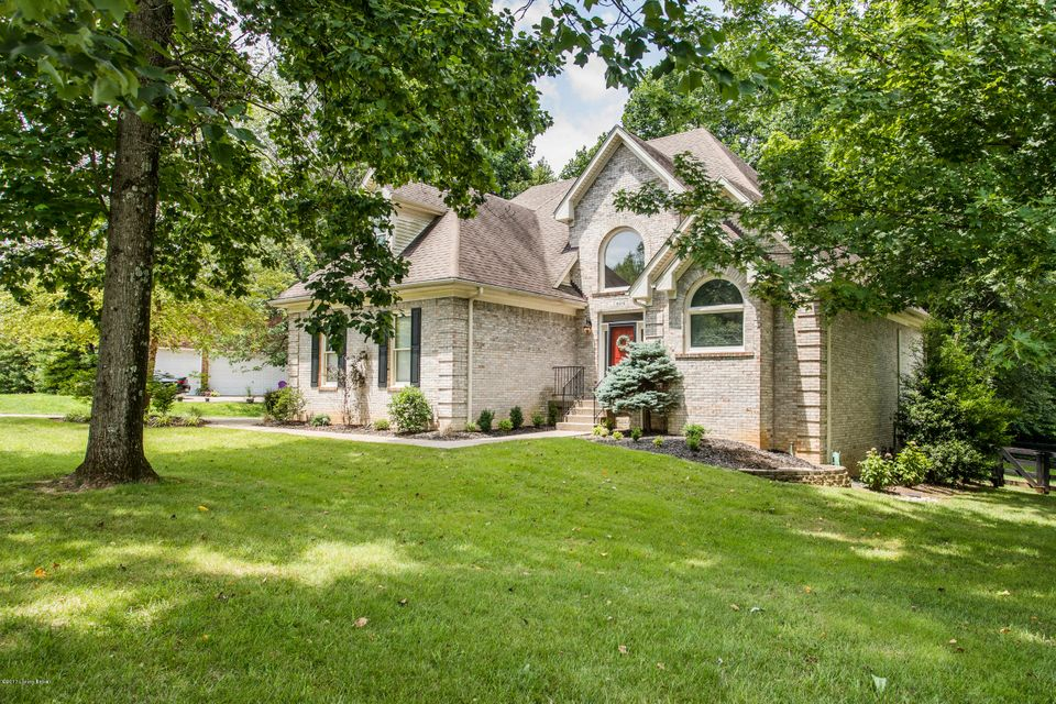 Single Family Home for Sale at 6318 Breeze Hill Road Crestwood, Kentucky 40014 United States