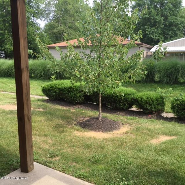 Additional photo for property listing at 7216 Correll Pl Drive  Louisville, Kentucky 40228 United States