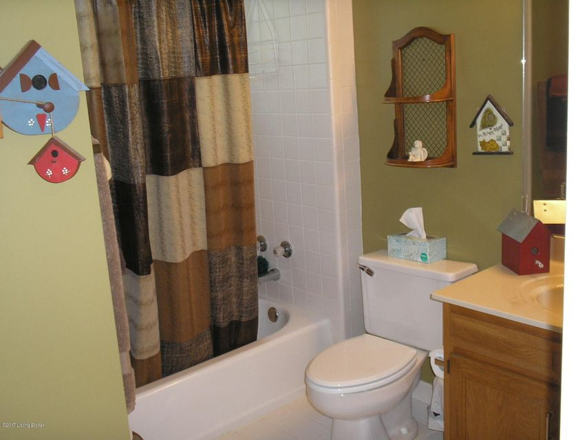 Additional photo for property listing at 5602 Harrods Run Road  Prospect, Kentucky 40059 United States
