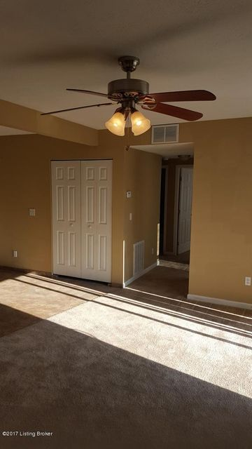 Additional photo for property listing at 3600 Hillcross  Louisville, Kentucky 40229 United States